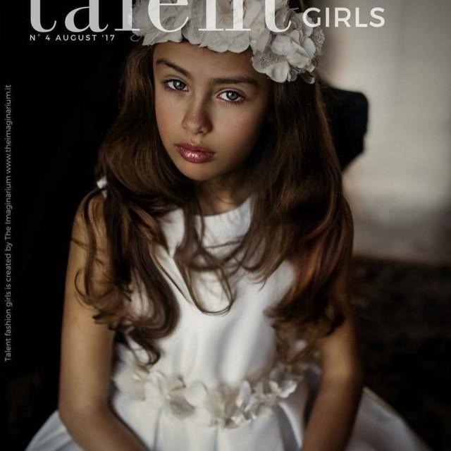 talentfashiongirls barbaramarinsta kidsmodel fashion fashiongirl fashionkids kidsfashion top modella